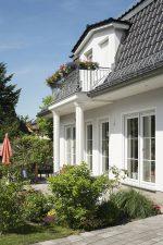 Roth Massivhaus - Haus Föhr mit Mansarddach - Balkon