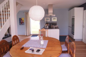 Akost Haus Hardangerfjord - Blick Richtung Küche