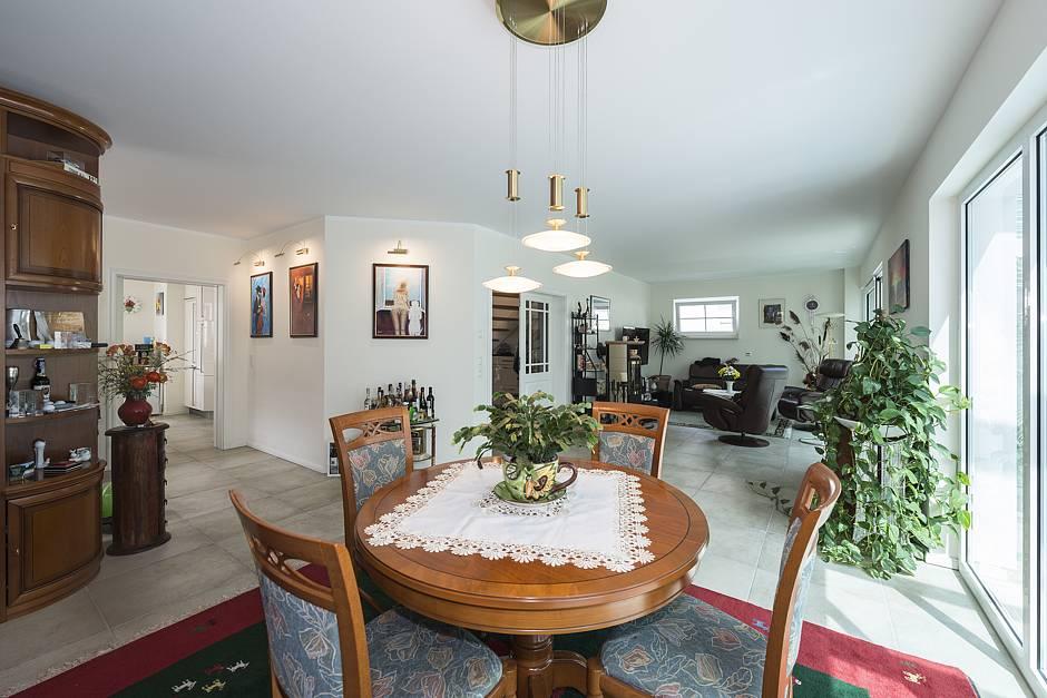 bau gmbh roth stadtvilla messina jetzt auf haus des. Black Bedroom Furniture Sets. Home Design Ideas