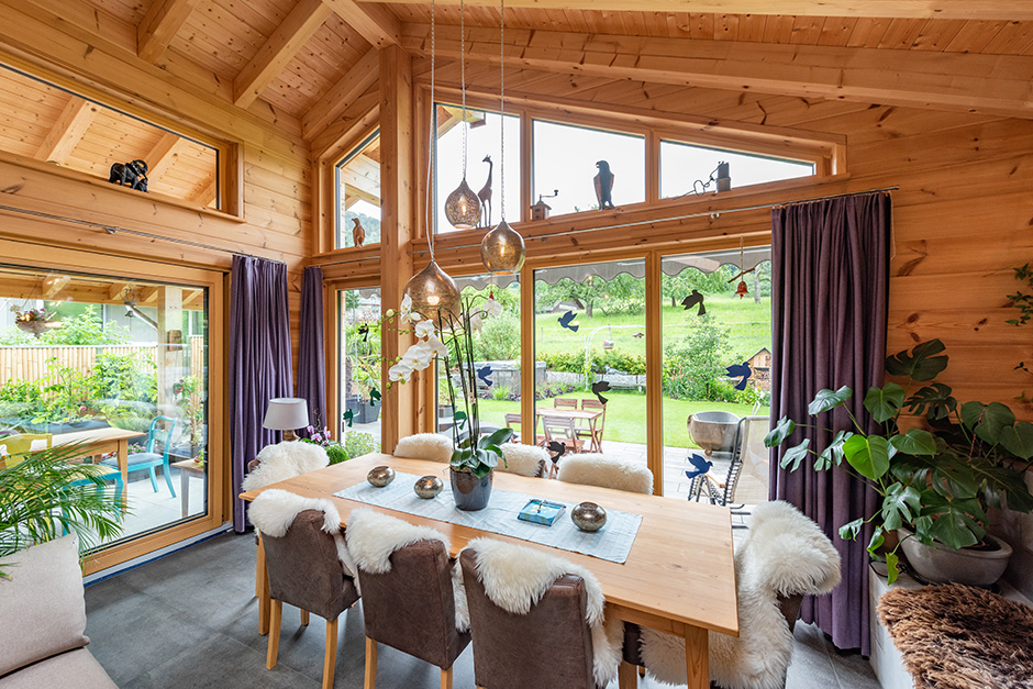 Fullwood-Wohnblockhaus-Gilgenbergerland-Essbereich