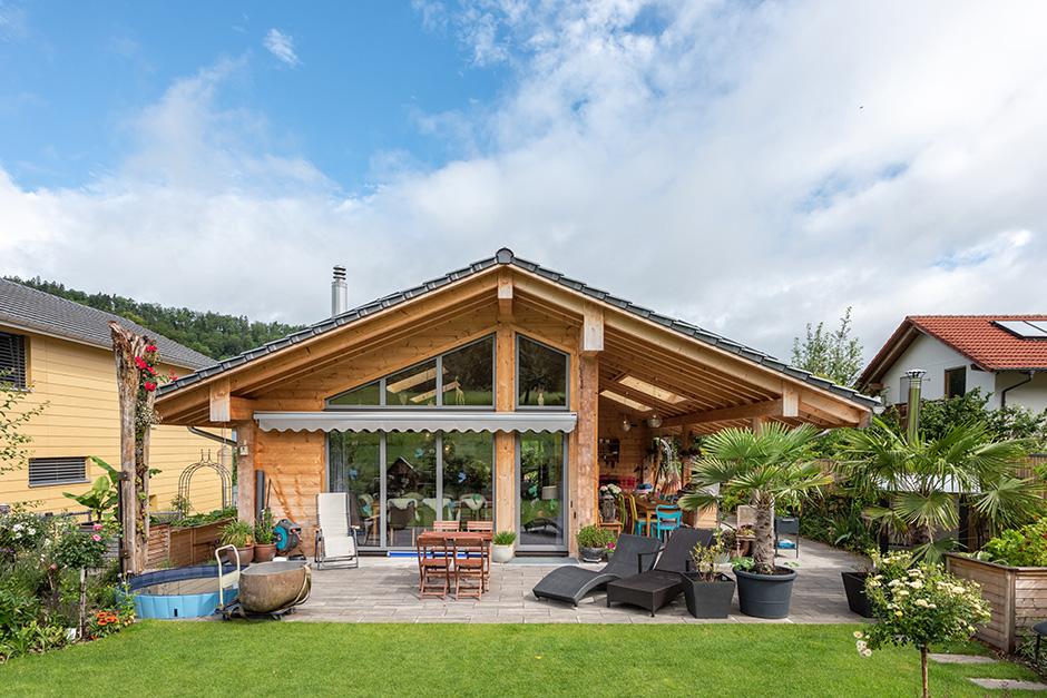Fullwood-Wohnblockhaus-Gilgenbergerland-Garten